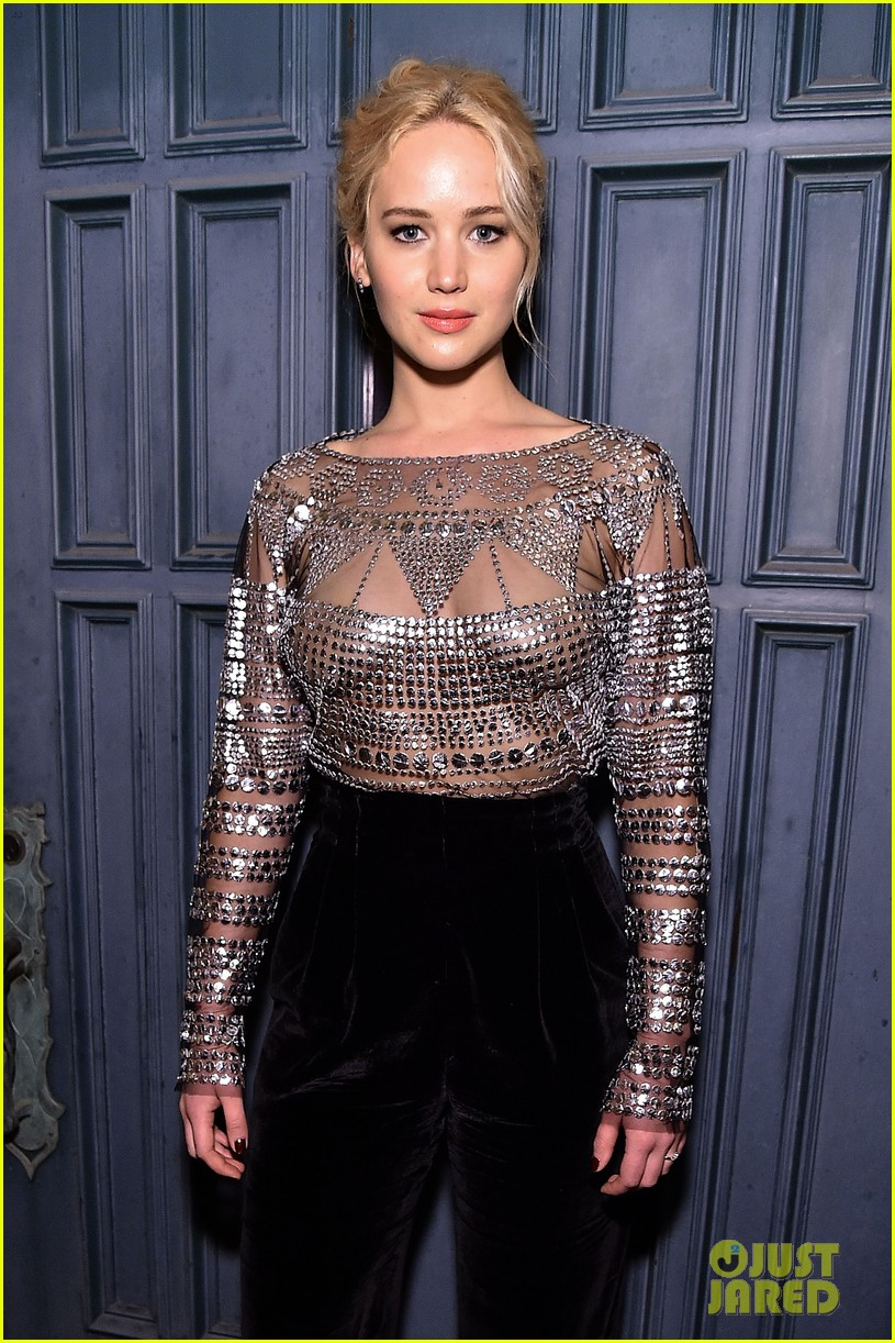 jennifer lawrence stuns at patricia arquettes dinner equality 063589366