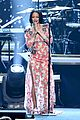 rihanna musicares 2016 lionel richie performance 06