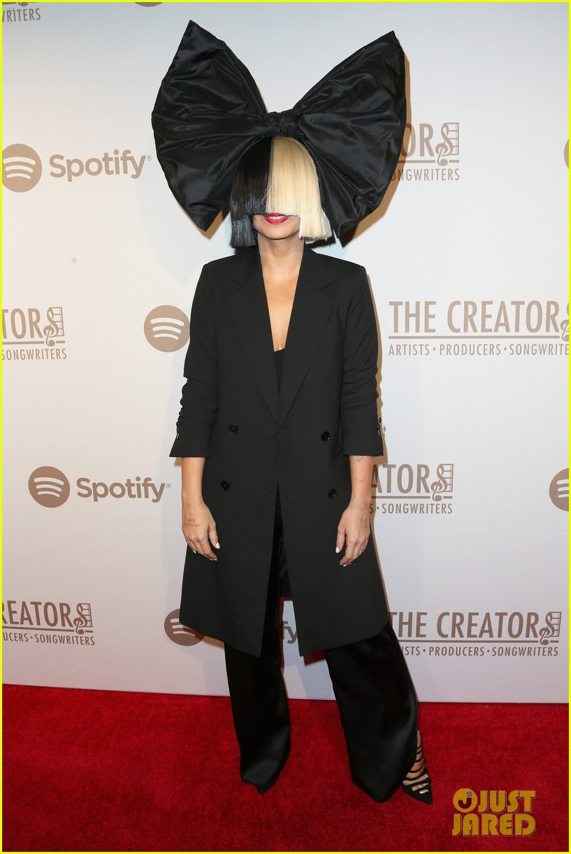 Sia Amp Fergie Hit The Red Carpet At Spotify S Creators