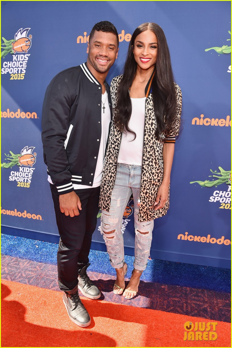 ciara is engaged to russell wilson 053603268