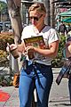 hilary duff shops then goes to airport 07