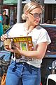 hilary duff shops then goes to airport 11