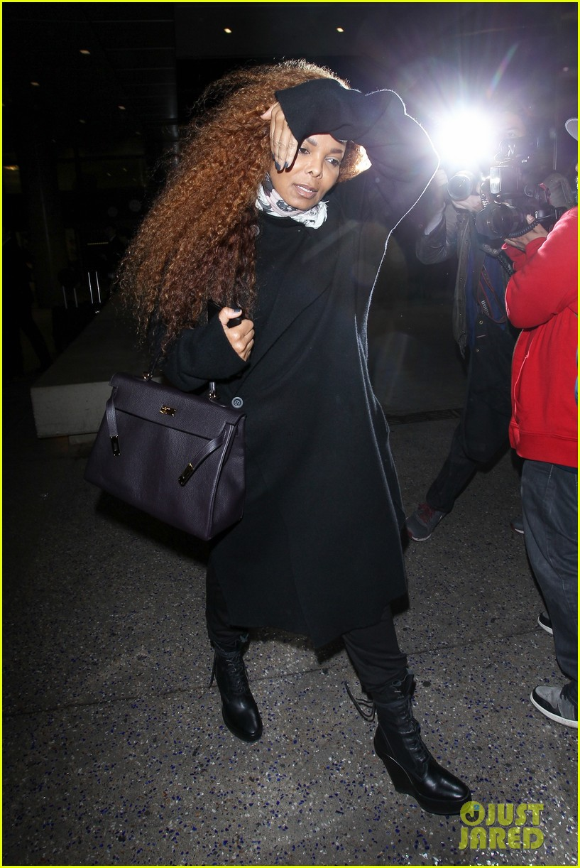 Janet Jackson Steps Out After Postponing More Tour Dates: Photo ...