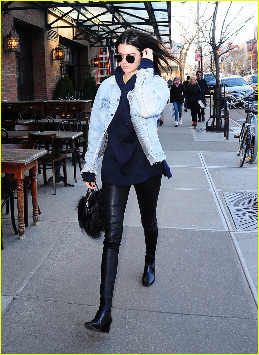 kendall jenner literal parazzi run in 263617030