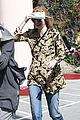 khloe kardashian kendall jenner kylie jenner disguise run from photographers 23