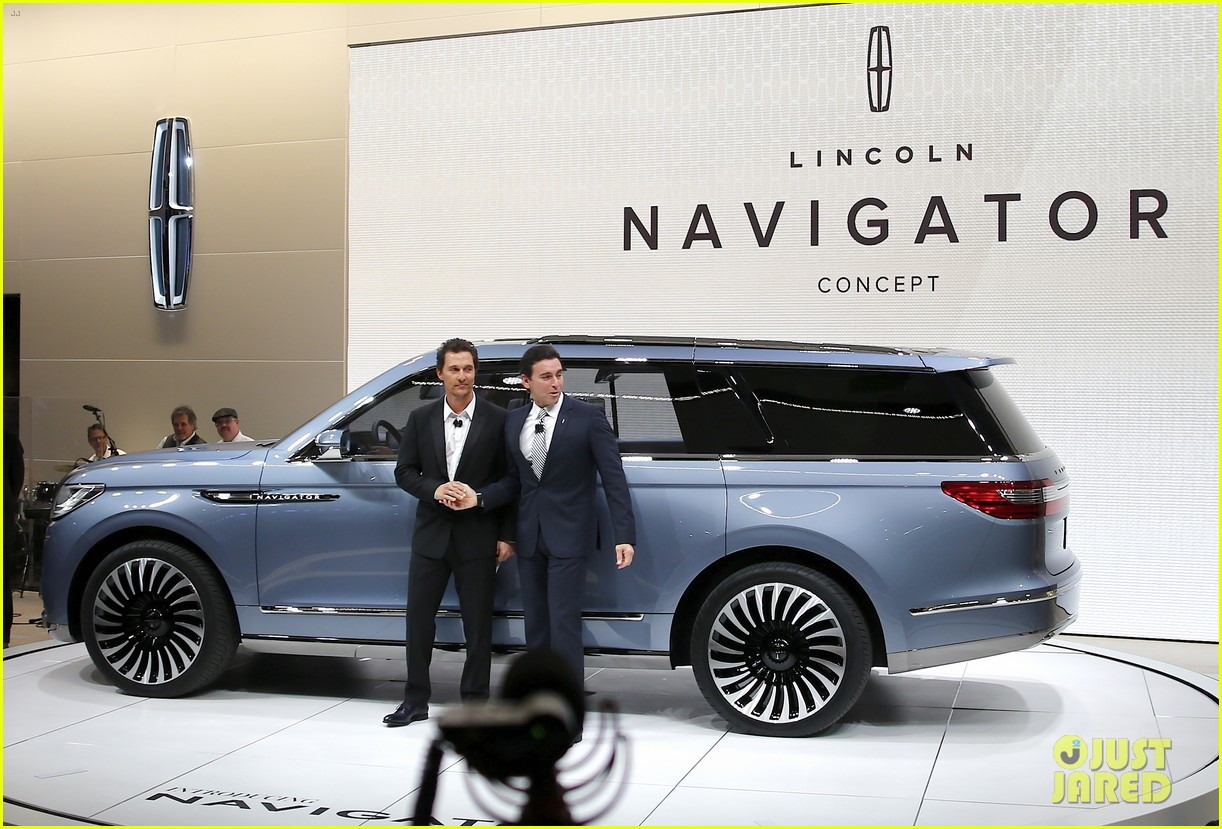 Matthew McConaughey Supports Lincoln at NYC Auto Show: Photo ...