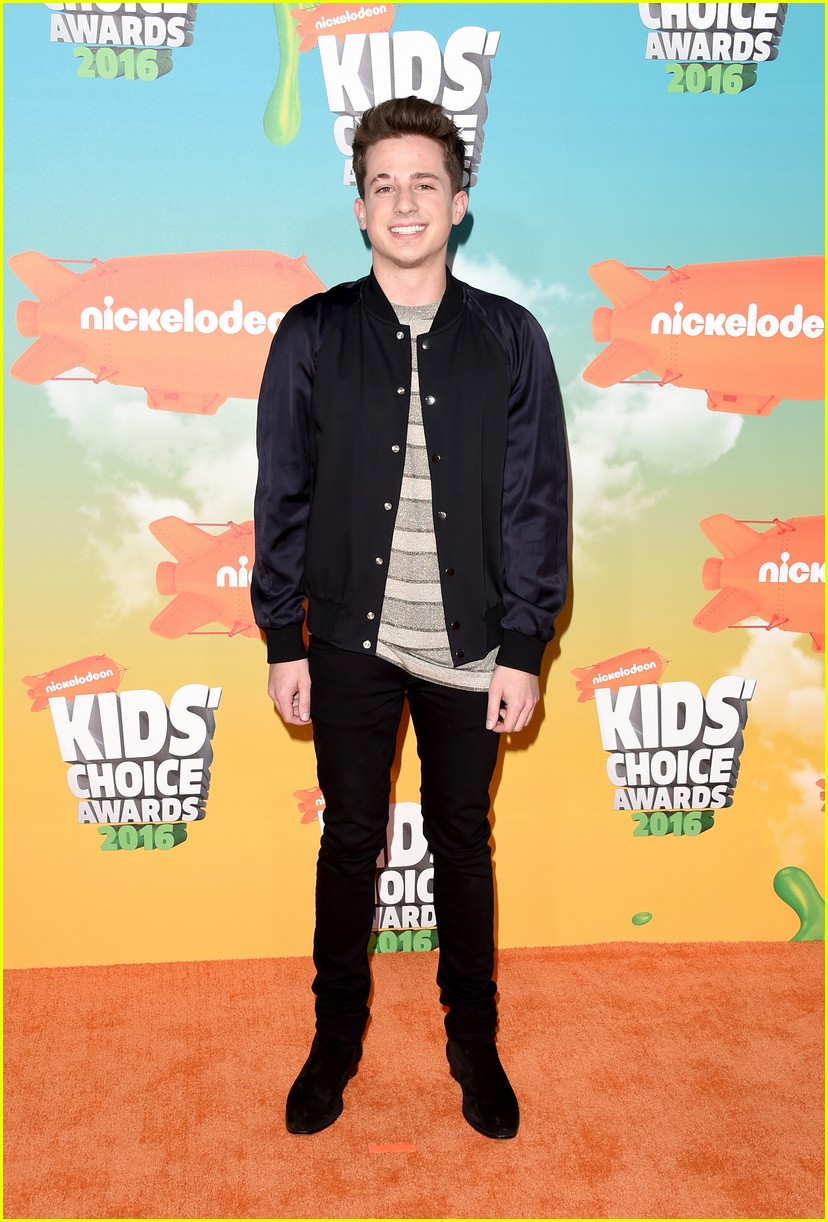 meghan trainor charlie puth have duet duel at kids choice awards meghan trainor charlie puth have duet duel at kids choice awards 2016 photo 3604086 2016 kids choice awards charlie puth kids choice awards