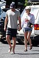 miley cyrus liam hemsworth grab breakfast in australia 11