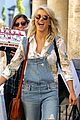 julianne hough brooks laich giggle shopping 02
