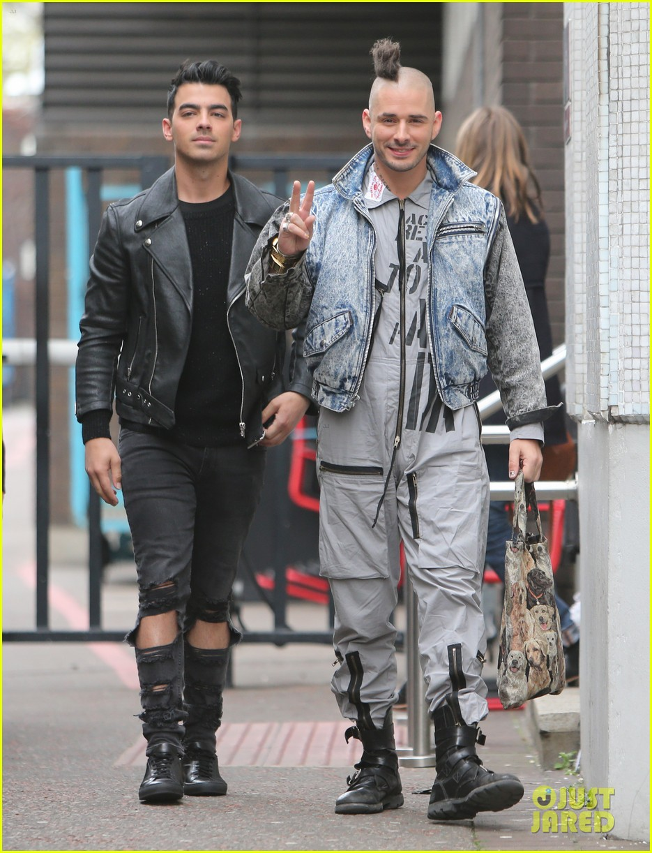 Joe Jonas and Cole Whittle | Fluid Fashion | Coachella celebrities, Coachella, Coachella