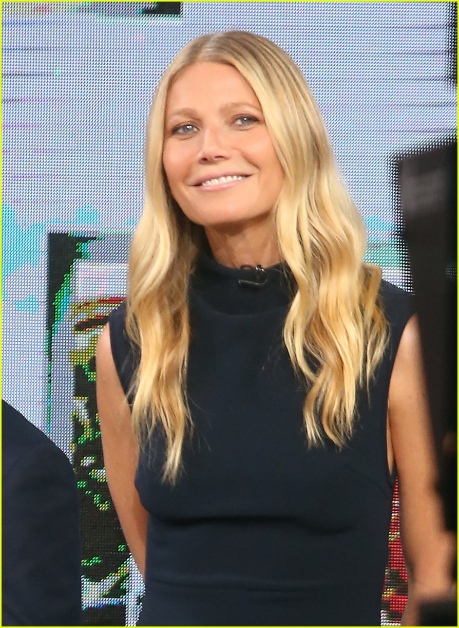 Gwyneth Paltrow quits America pics