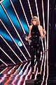 taylor swift thanks boyfriend adam at iheartradio music awards 09