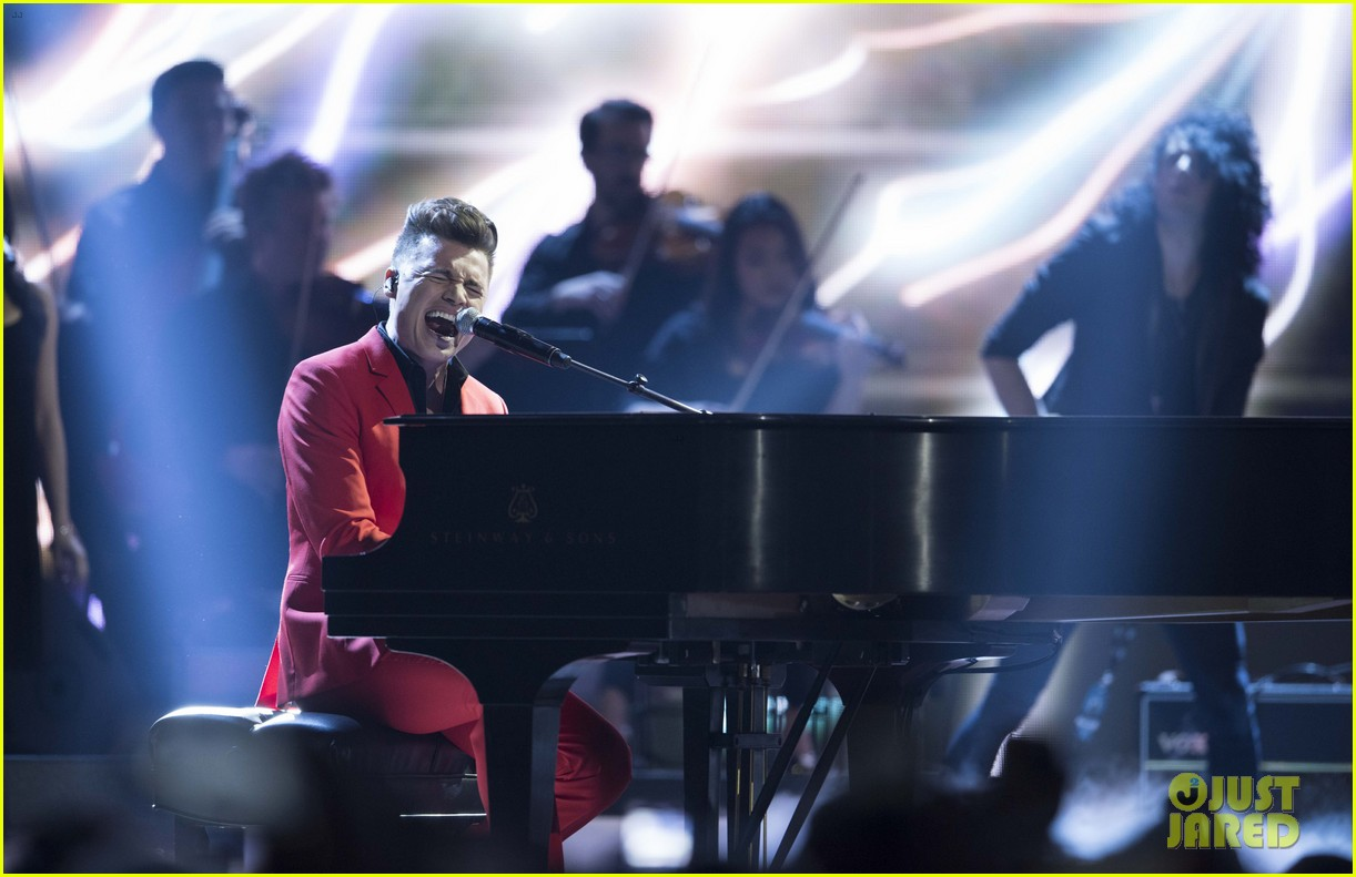 the weeknd wins artist of the year at juno awards 2016 performs medley watch here 063622287