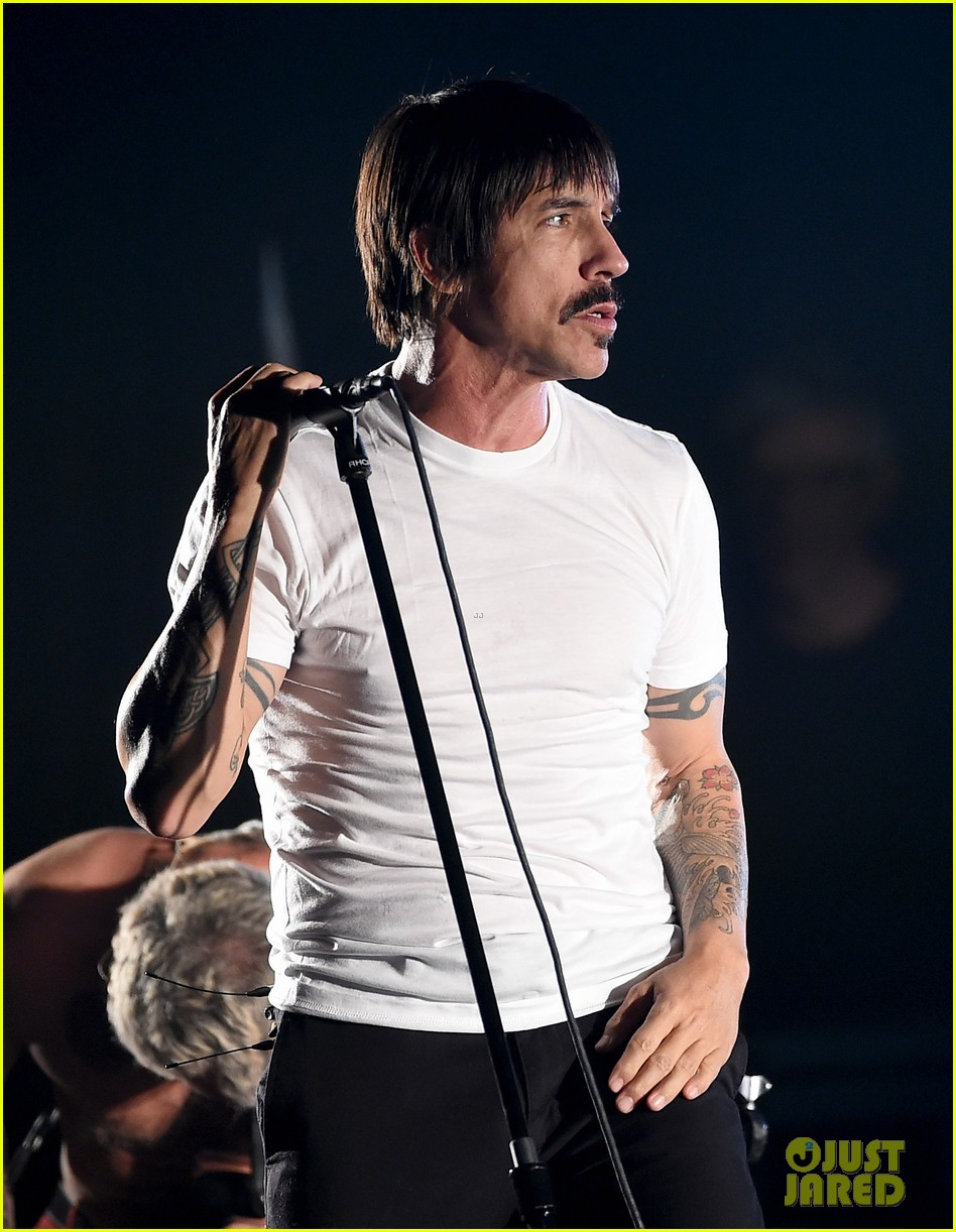 Peppers Singer Anthony Kiedis Hospitalized: Photo 3656408 | Anthony ...