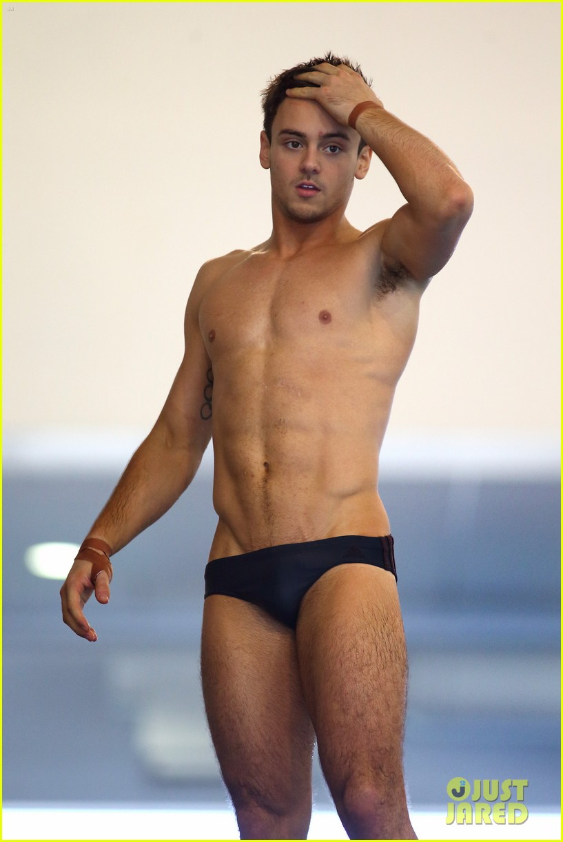 speedos Olympic Diver Tom Daley Explains Why His Speedos Are So Tight - Watch Now!: Photo 3664152 | Shirtless, Tom Daley Pictures | Just Jared