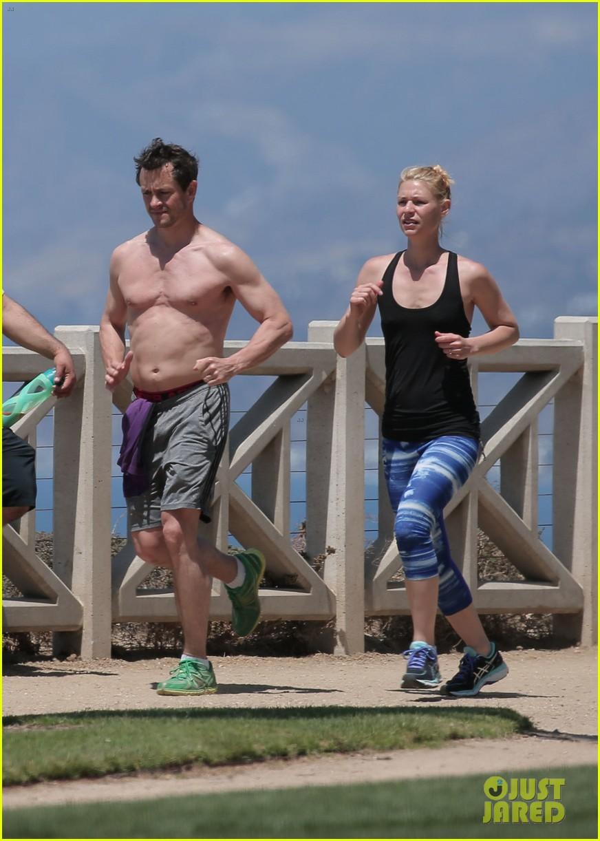 ... for beachside jog ... Claire Danes