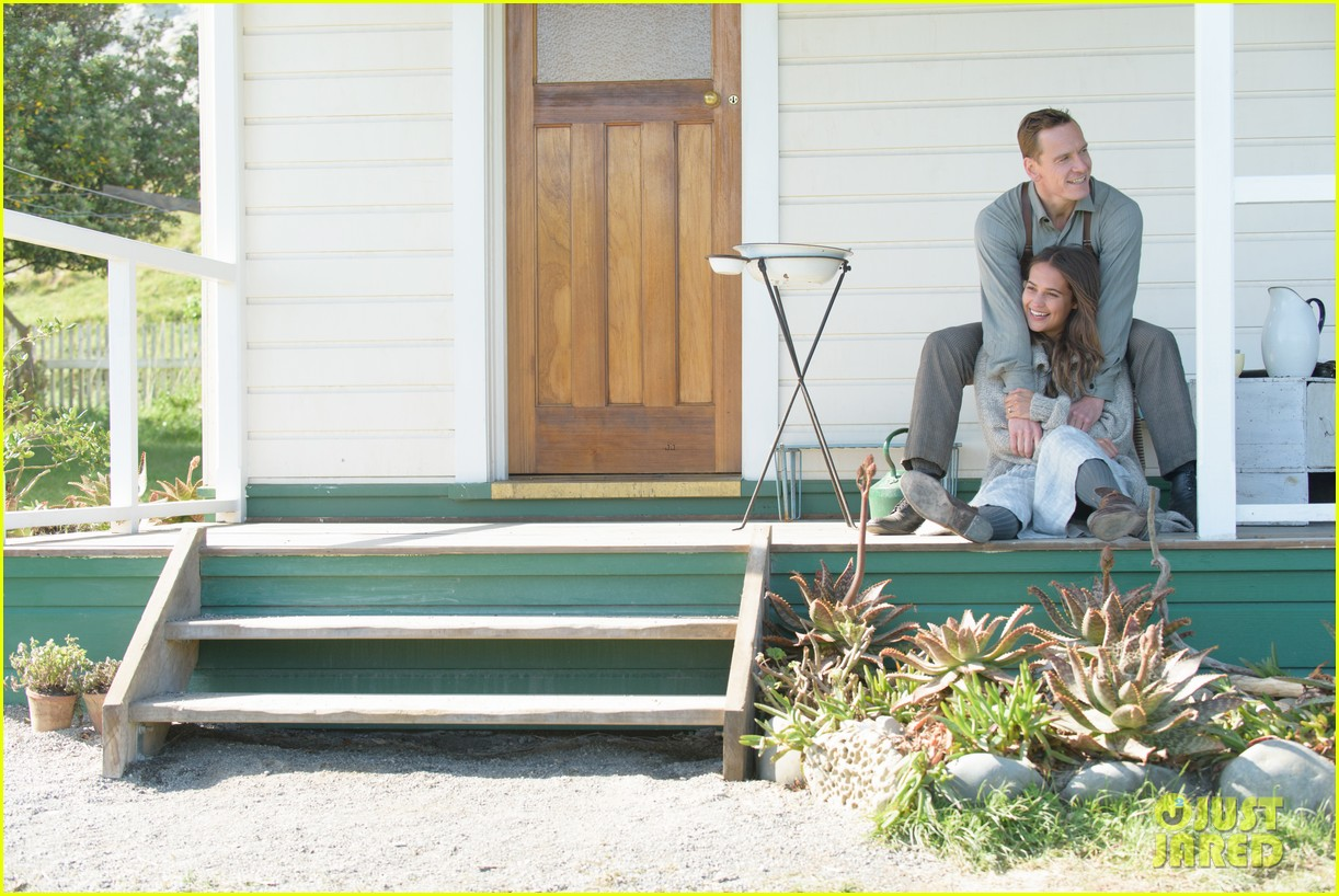 michael fassbender alicia vikander light between oceans trailer 033655055