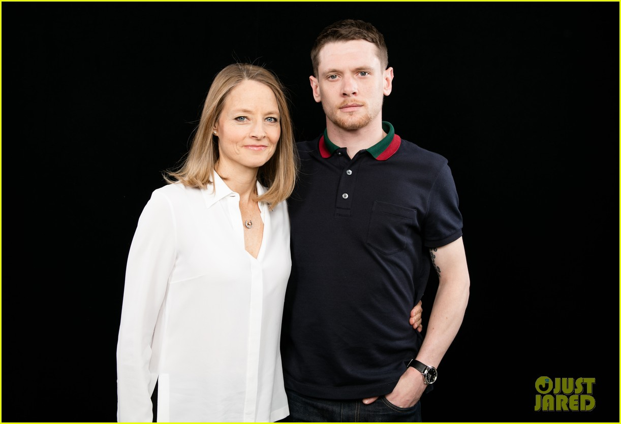 jodie foster plays round of egg russian roulette video 313651431