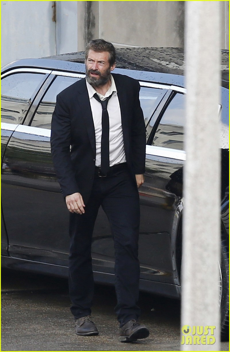 http://cdn03.cdn.justjared.com/wp-content/uploads/2016/05/jackman-firstwolv/hugh-jackman-beard-wolverine-3-set-photos-05.jpg