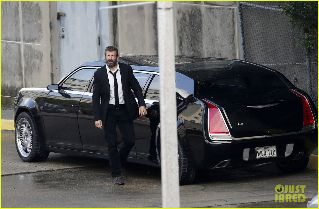 http://cdn03.cdn.justjared.com/wp-content/uploads/2016/05/jackman-firstwolv/hugh-jackman-beard-wolverine-3-set-photos-12.jpg