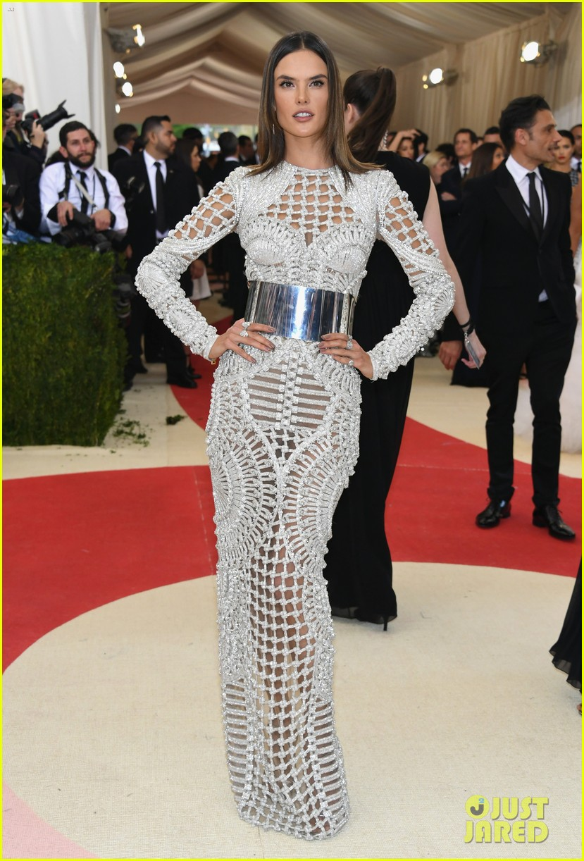 how to get into the met gala