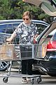 amy poehler stocks up on groceries before the weekend 11