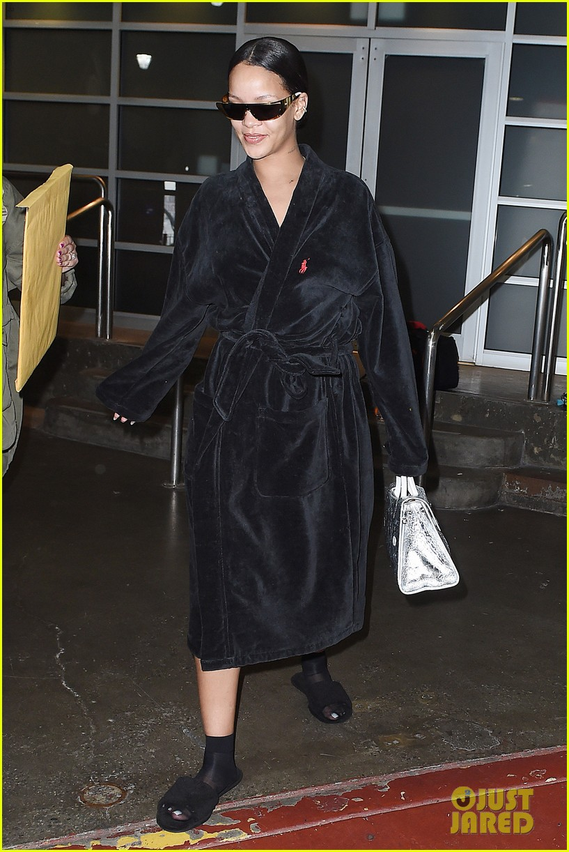 rihanna steps out in robe flip flops after a photo shoot 083667428