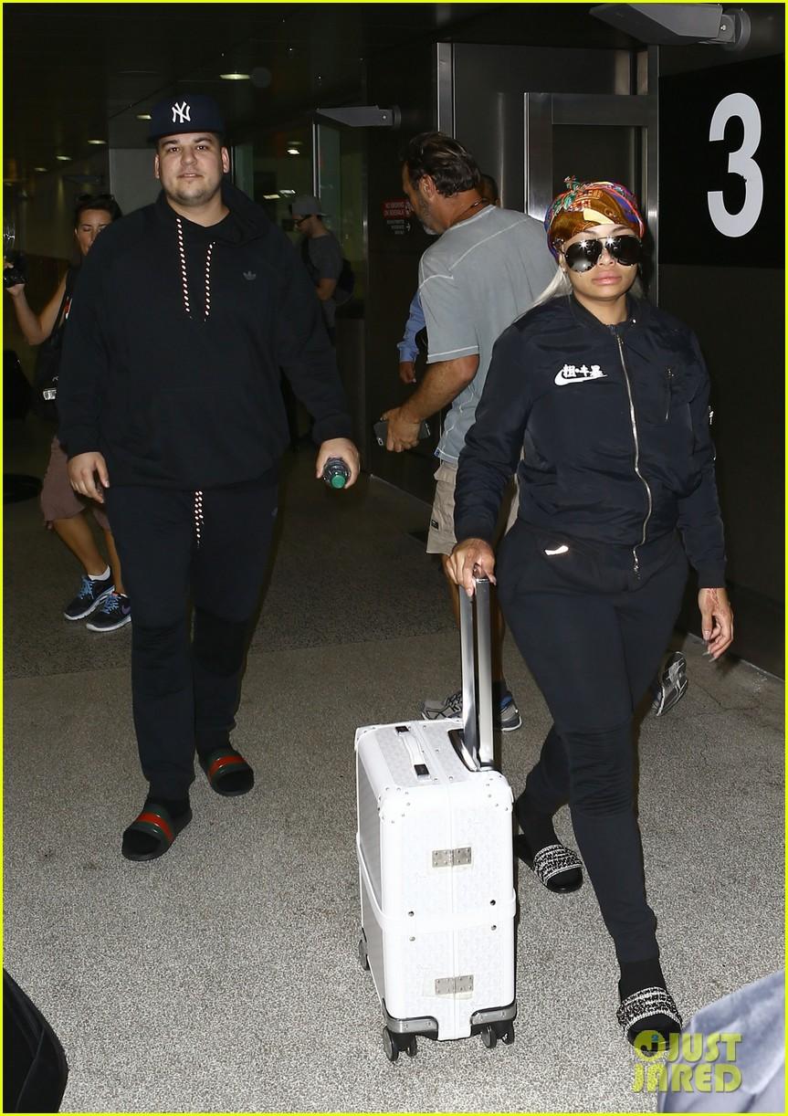 rob kardashian pregnant blac chyna miami airport 263653056