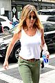 jennifer aniston justin theroux keep busy in the big apple 02