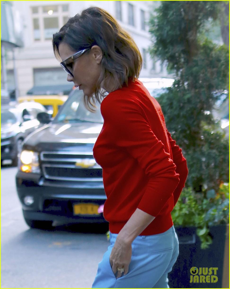 Victoria Beckham Brightens Up in New York City: Photo ...
