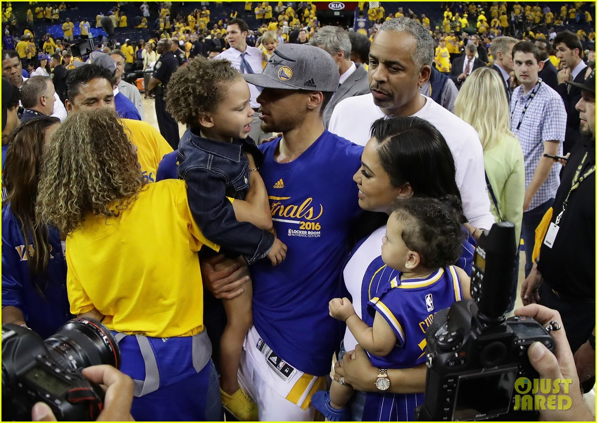who is stephen curry wife meet ayesha their kids 053672350