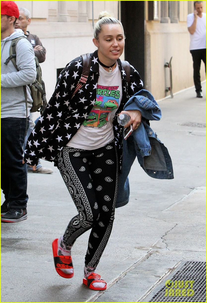Marvelous Miley Cyrus Liam Hemsworth Have Busy Days In Nyc Photo 3683657 Short Hairstyles For Black Women Fulllsitofus