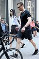 tom hiddleston rides in taylor swifts car to new york gym 19