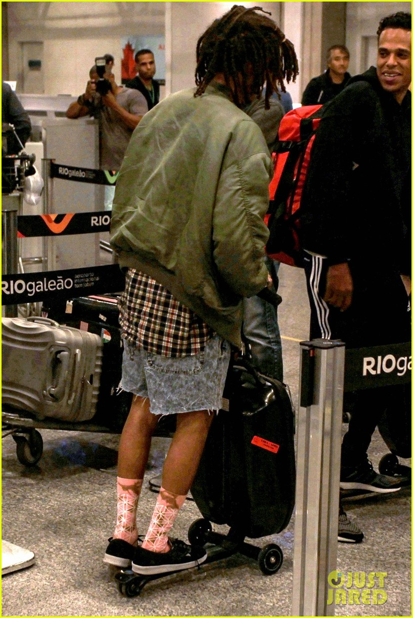 jaden smith arrives brazil luggage scooter 153672118
