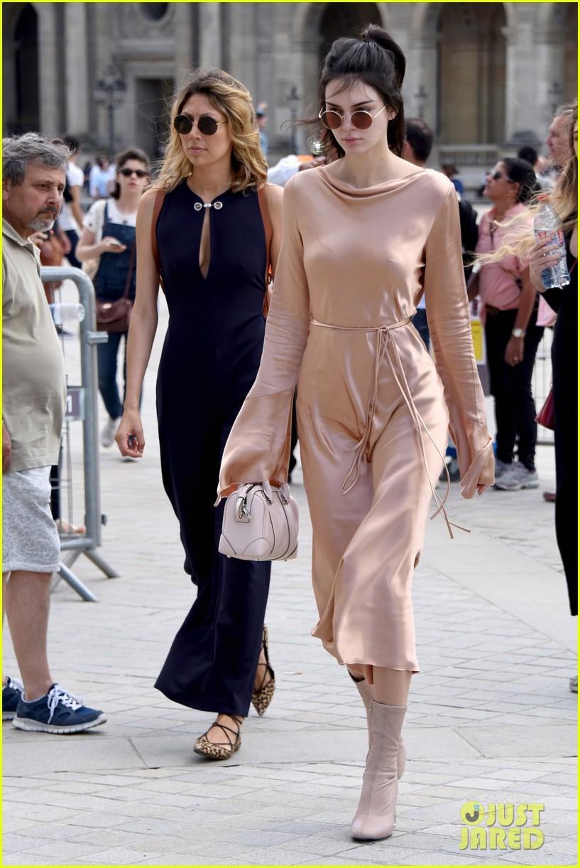 Kendall Jenner Amp Bella Hadid Walk In Givenchys Paris Show Photo 3690822
