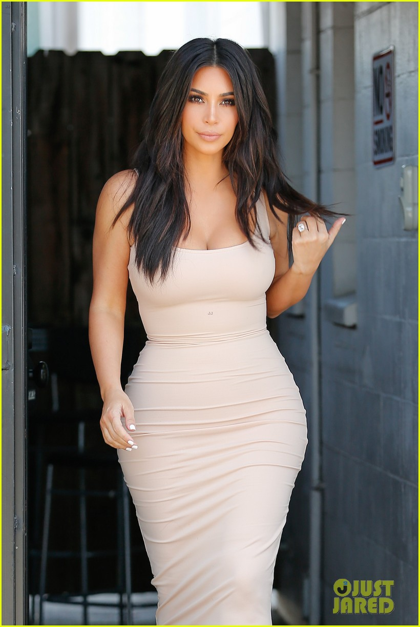 Kardashian kim cumtribute 3 - 1 7