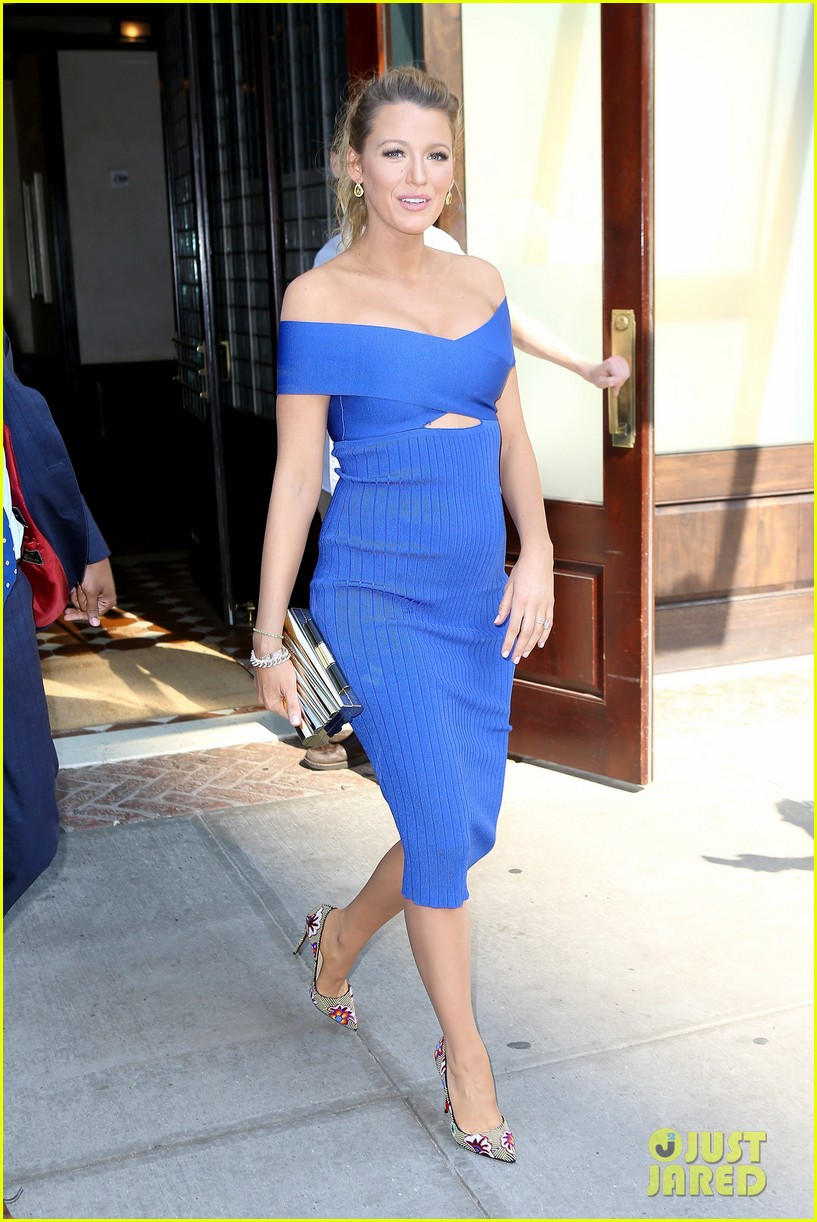 Full Sized Photo of blake lively says ryan reynolds as dad ... Blake Lively And Ryan