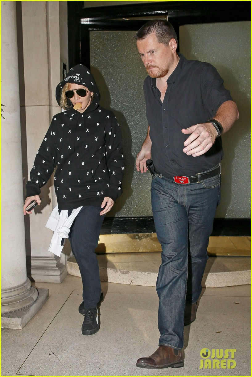 Pictures Of Madonna Pregnant 33
