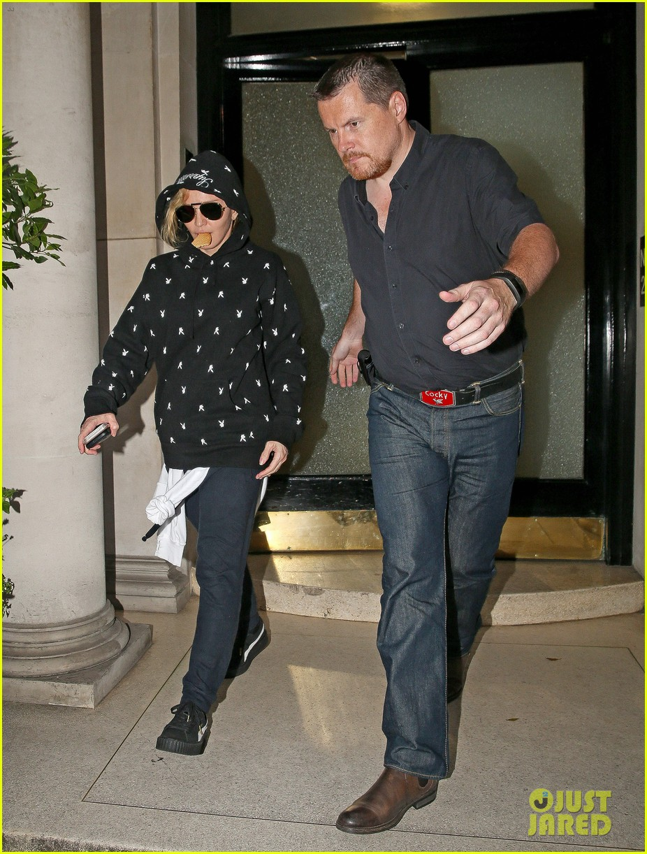 Pictures Of Madonna Pregnant 111