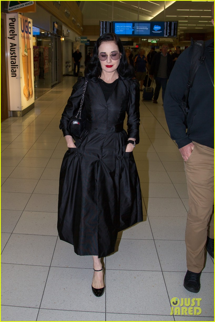 dita von teese channels old hollywood glam in australia 043690006