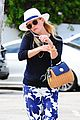 reese witherspoon celebrates her sons elementary school graduation 11