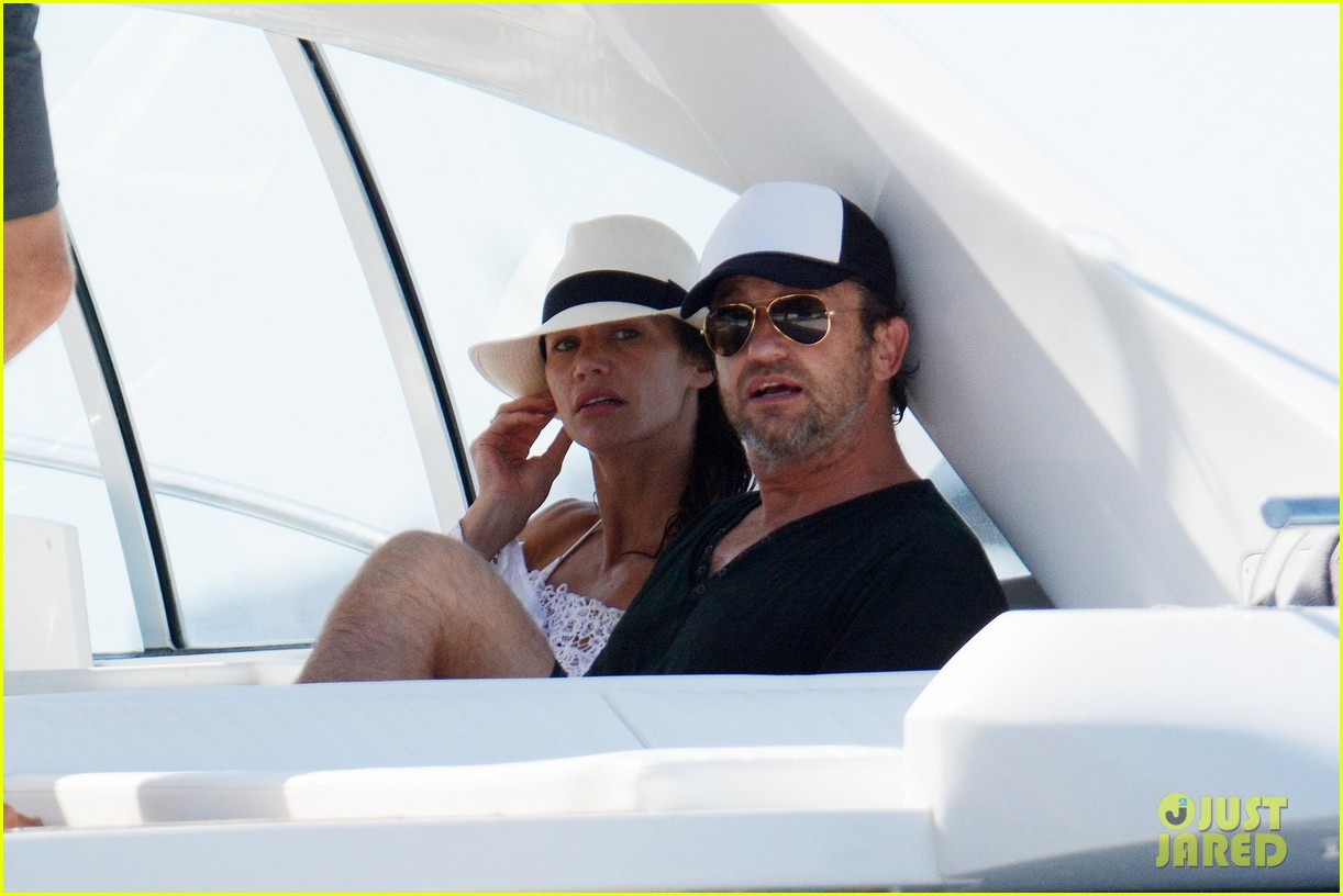 gerard butler girlfriend morgan brown romantic boat ride in italy 043706580