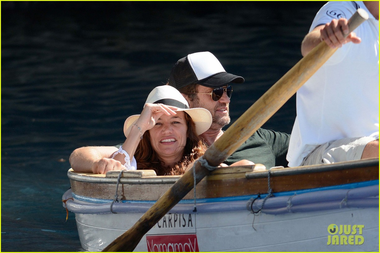 gerard butler girlfriend morgan brown romantic boat ride in italy 063706582