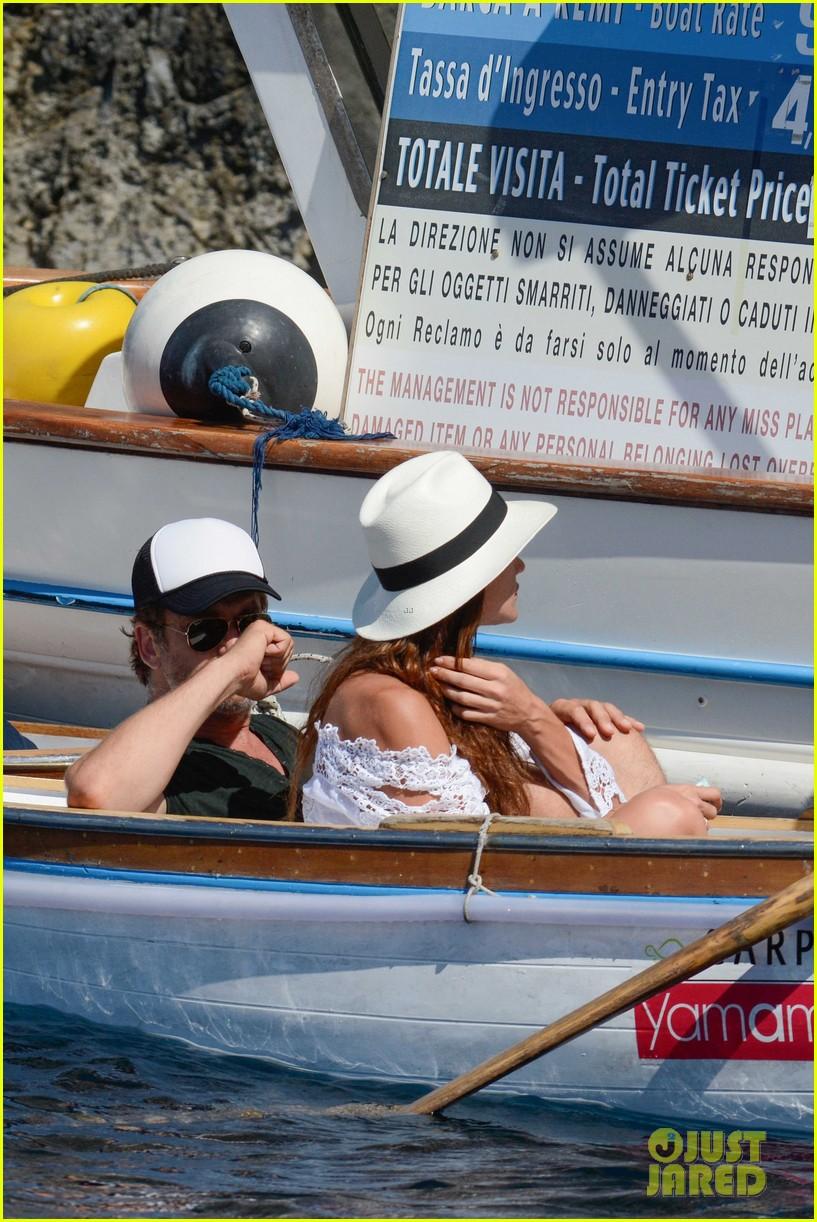 gerard butler girlfriend morgan brown romantic boat ride in italy 183706594