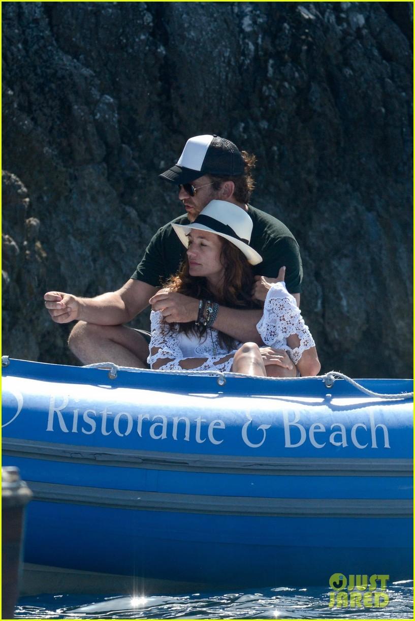 gerard butler girlfriend morgan brown romantic boat ride in italy 193706595