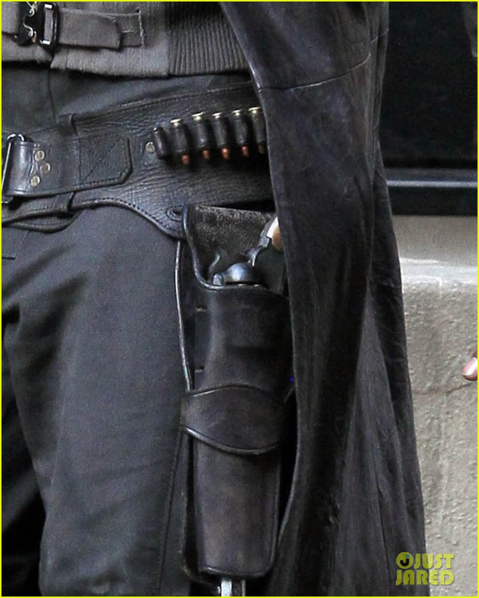 idris elba spotted as the gunslinger on dark tower nyc set 093697104