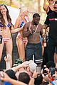 kevin hart goes shirtless for las vegas birthday bachelor bash 08