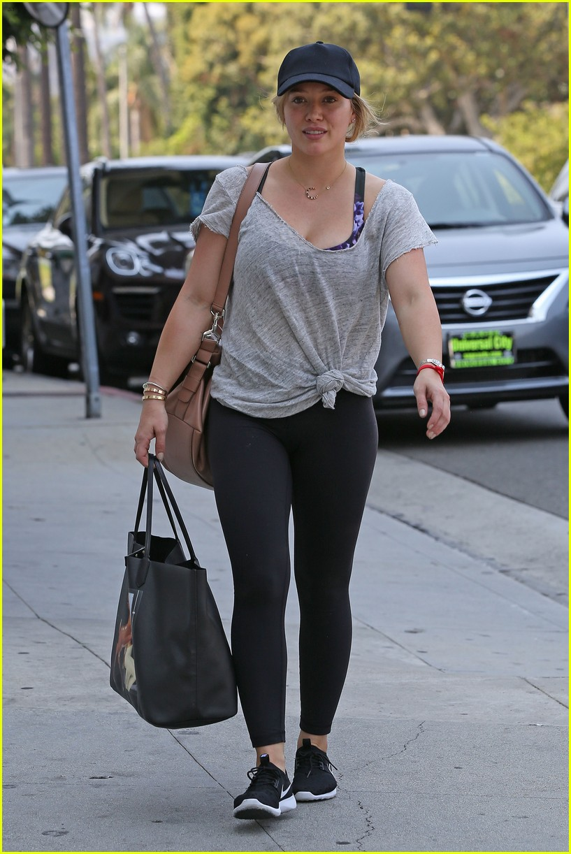 hilary duff fresh faced makeup free 083721999