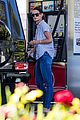 katie holmes gasses up truck 11