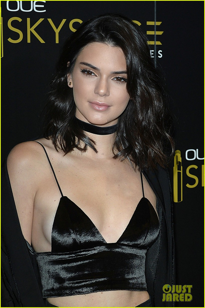 jenner single women Kylie jenner started dating when she was barely 12 years old, and her first known boyfriend was singer ramsey iv since then, she had several boys and men come in her life and has always been in the news after all, she is a kardashian already a mother at age 20, rapper travis scott is kylie jenner .